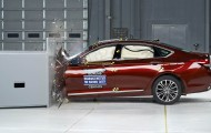 Краш-тест нового поколения Hyundai Genesis