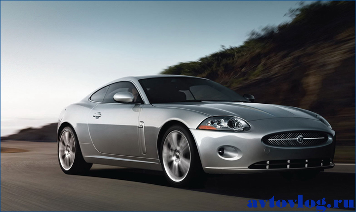 Auto___Other_auto_wallpapers_____The_silver_car_on_the_road_092066_