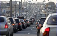Московские власти приняли решение устранить заторы на дорогах МКАДа