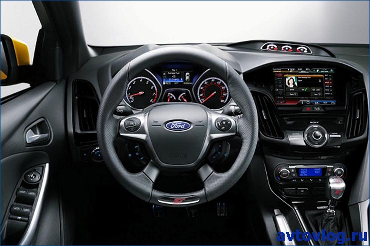 2016-Ford-Kuga-interior