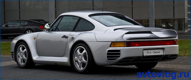 Porsche_959_–_Heckansicht_(2),_21