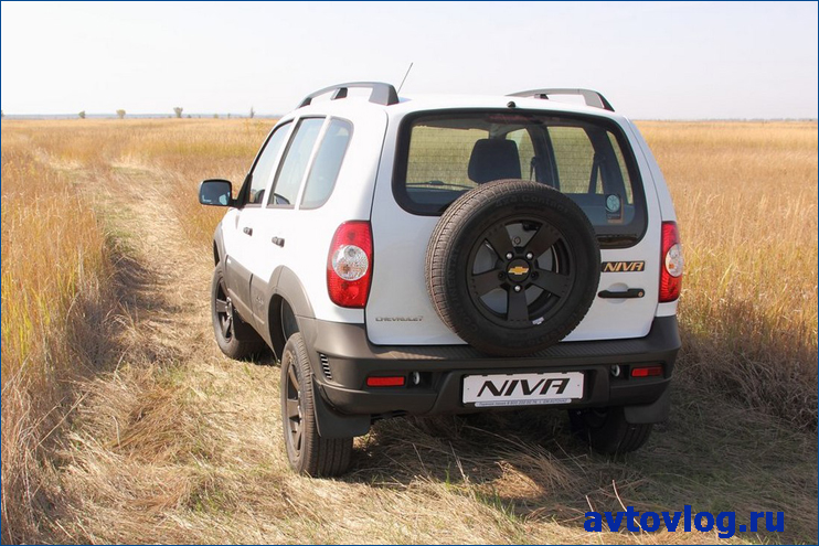 1442997037_chevrolet-niva-winter-edition-2