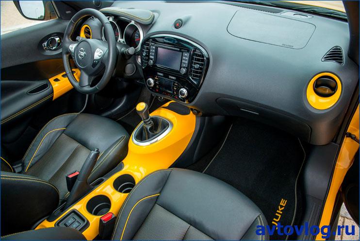 Nissan-Juke-2015-int (1)