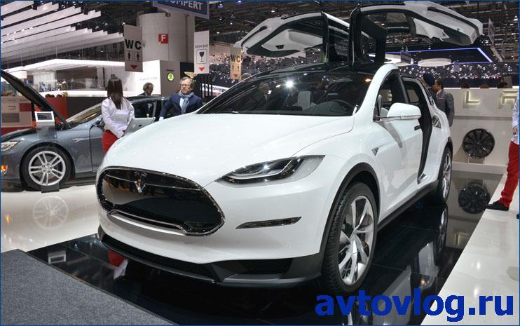 Tesla-Model-X-left-front-1