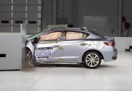 Тест седана Acura ILX