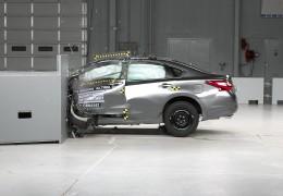 Японский Nissan Altima 2016